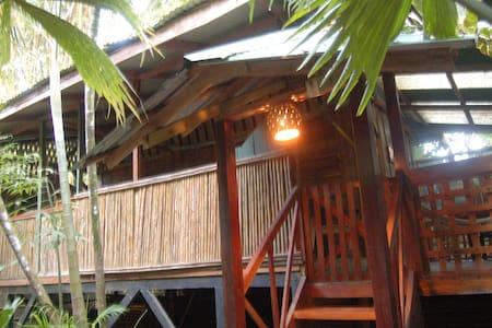 Yemanya lodge, junglebeach rustic house - Playa Chiquita - Zomerhuis/Cottage