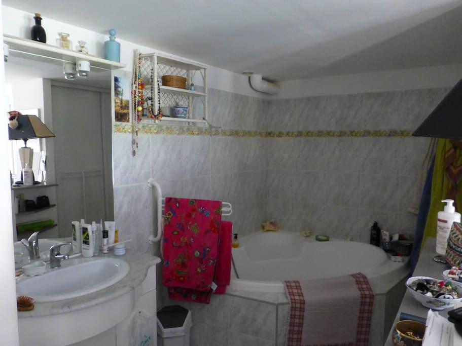 spacieux bain