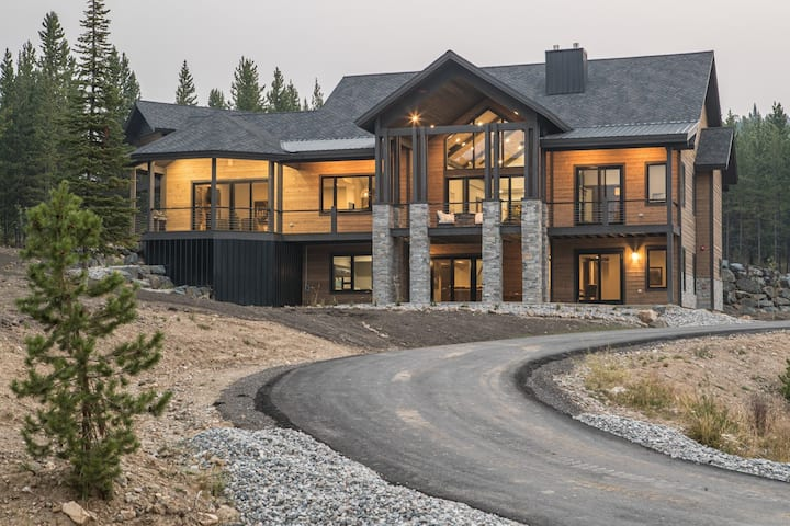 Mountain Modern Chalet with Unobstructed Lone Peak Views and Private Hot Tub