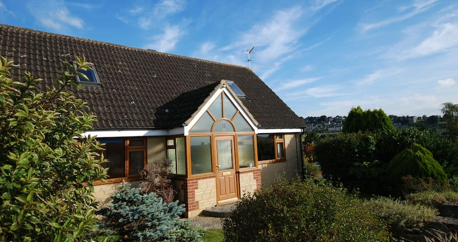 Cotswold 4 Bedroom Detached House - Stroud - Rumah