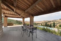 Portico furnished for outdoor meals