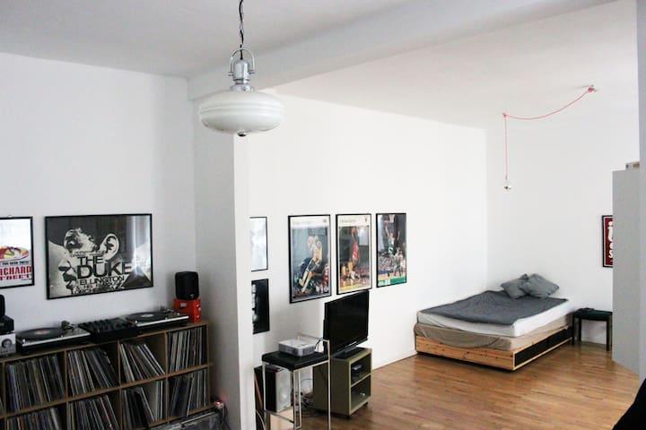 Rosenthaler Platz 60qm Loft Flat
