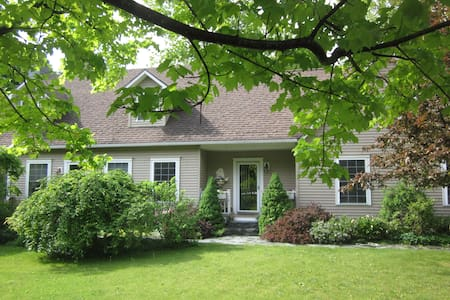Shelburne Green Mtn. Getaway Suite - Shelburne - Ev