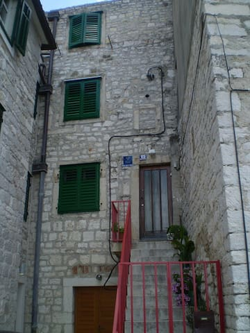 Stone home in  oldest part  Šibenik - Sibenik - House