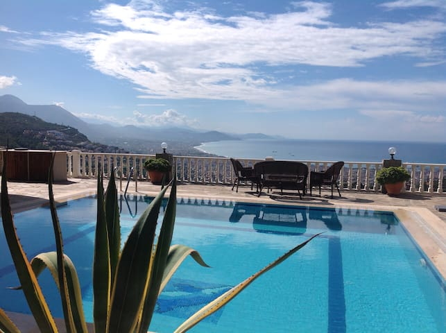 Private luxury villa .Close to C Alanya Heaven - İzmit - 別荘