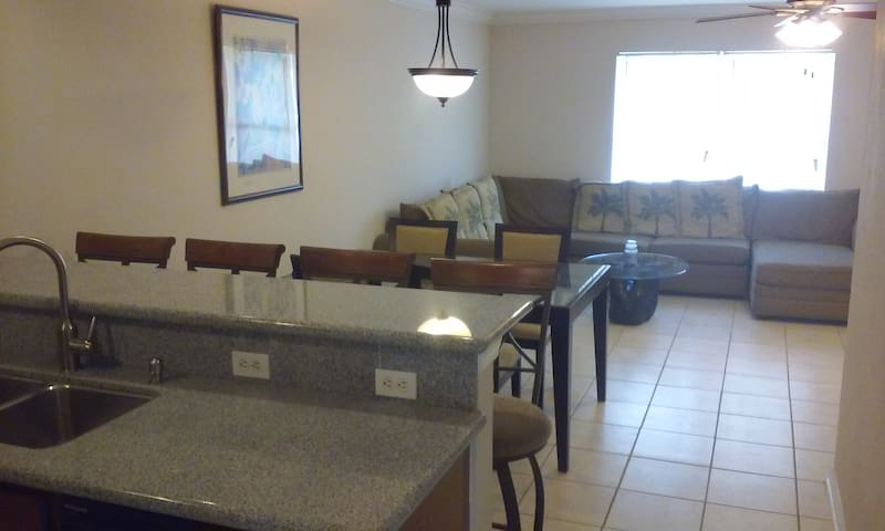 Newly Renovated Apartment - Cape Coral - Lejlighed