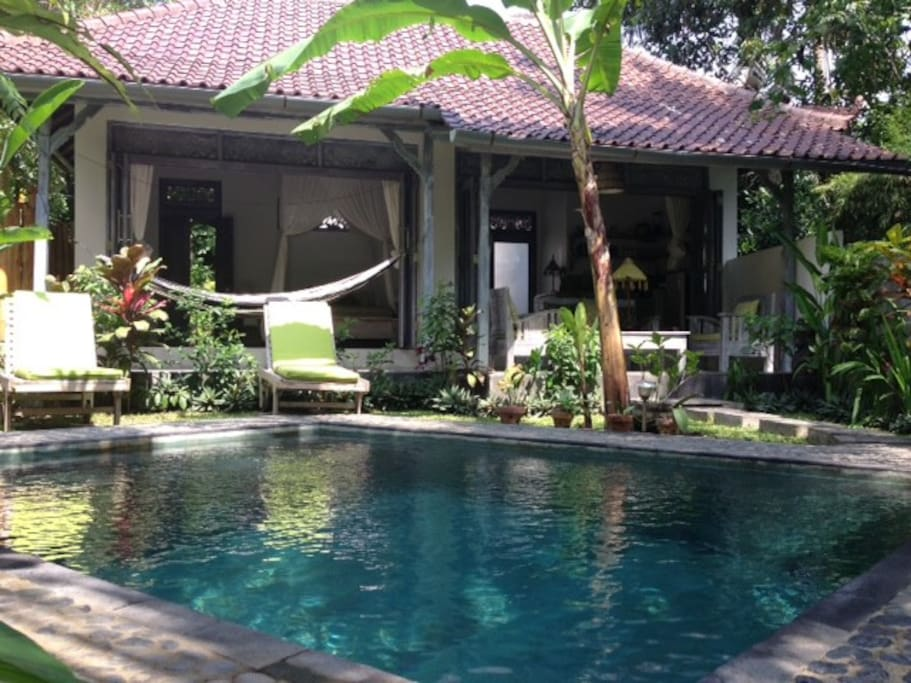 Pondok maya private pool villa villas for rent in ubud for Garden pool villa ubud