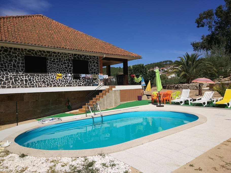 grande maison atypique avec piscine priv e maisons louer vila real vila real portugal. Black Bedroom Furniture Sets. Home Design Ideas