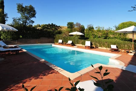 Charming Tuscan Getaway with Pool - La Sgrilla - Casa