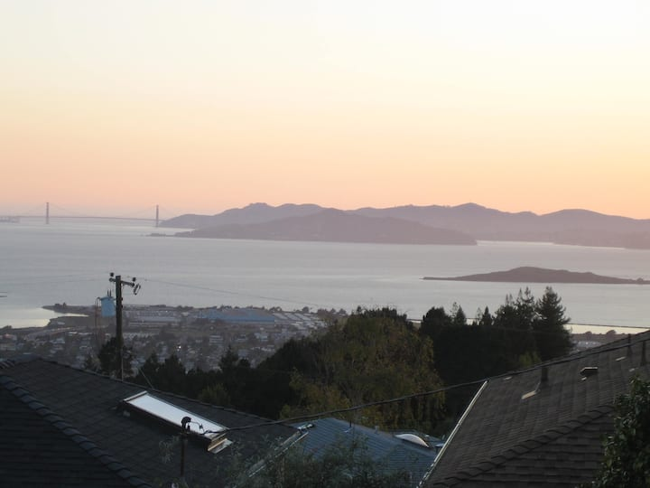 Berkeley Hills Bay View Apartment