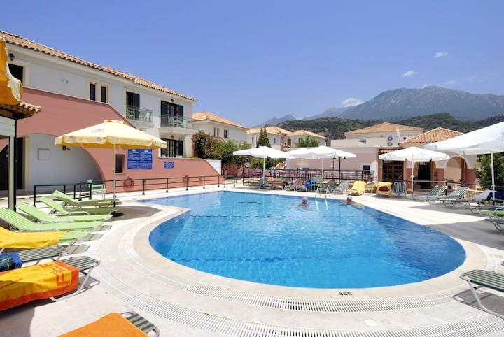 Georges Estates Hotel Stoupa