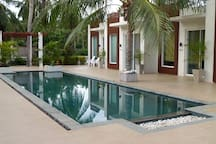 Easy access to the pool