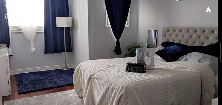 Luxury Master Bedroom w Private Bath