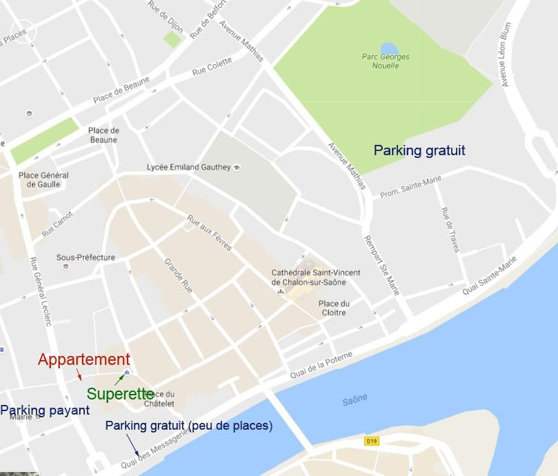 Plan local, parkings et supérette
