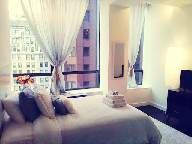 Spacious Luxury Private Bedroom on Wall Street
