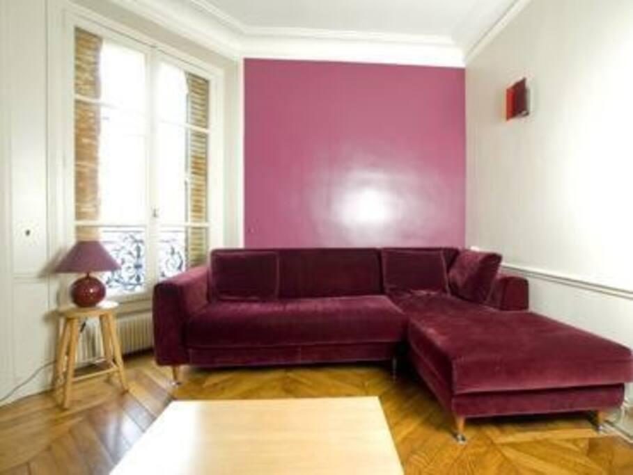 le marais place desvosges stantoine wohnungen zur miete in paris le de france frankreich. Black Bedroom Furniture Sets. Home Design Ideas