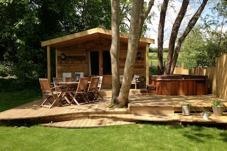 Luxury Log Cabin with Hot Tub - Bathford - Wohnwagen/Wohnmobil