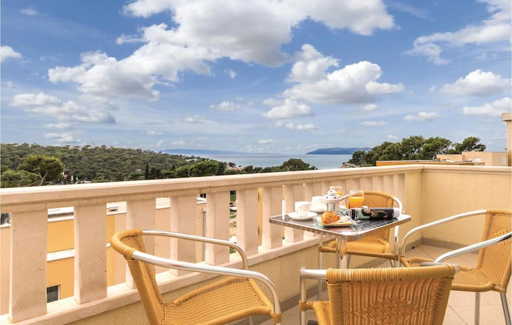 Stunning home in Makarska with WiFi and 1 Bedrooms