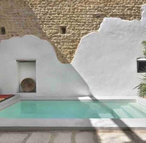 Maison avec piscine en plein coeur de la médina
