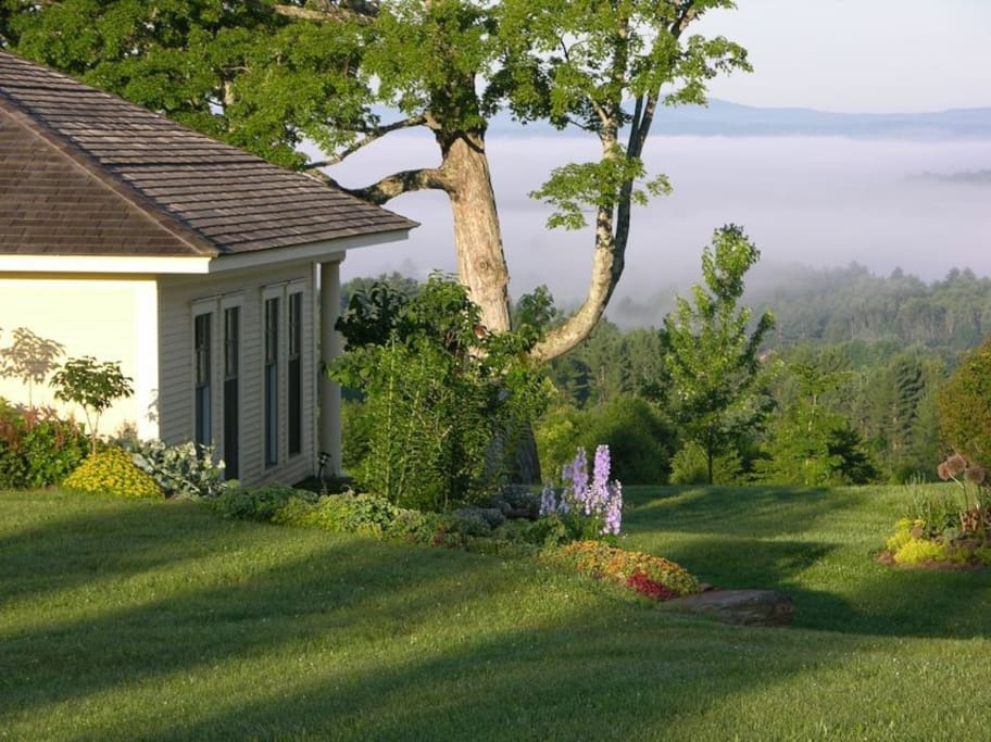 Your own little cottage with spectacular views!