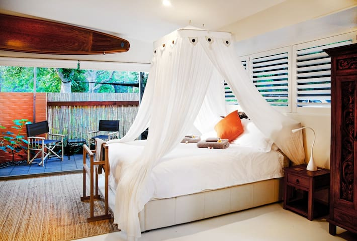 Ketuk Suite - Driftwood Villa at Scotts Head