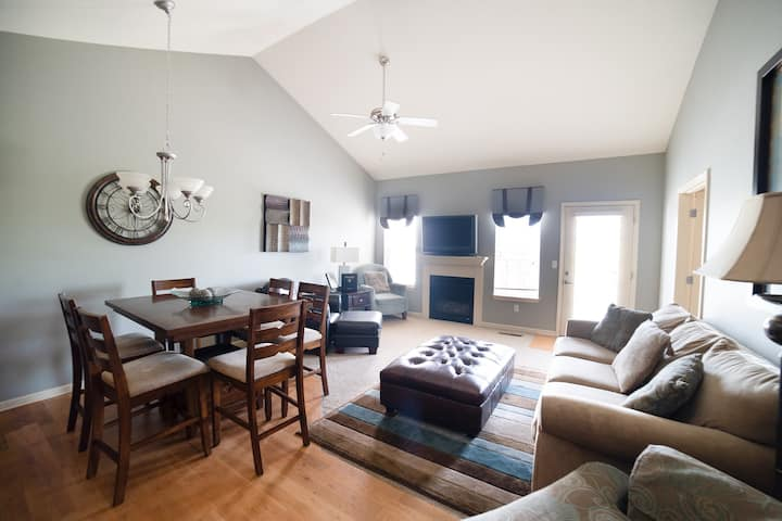 3 Bed, 2.5 Bath Townhouse with 2 Car Garage