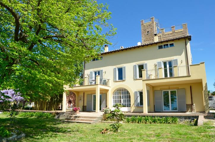 COUNTRY HOUSE NEAR ROME, ROOM SUITE I DUE ARCHI - Genzano di Roma - Bed & Breakfast