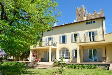 COUNTRY HOUSE NEAR ROME, ROOM SUITE I DUE ARCHI - Genzano di Roma - Aamiaismajoitus