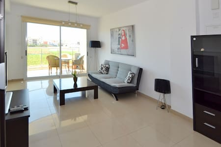 New 2 Bedroom apartment +Wi-Fi - Lemesos