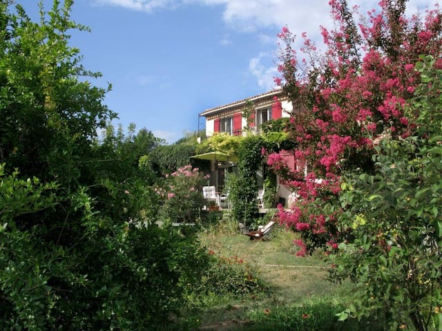PROVENCE RENT for 2 swimming pool - Lauris - Byt