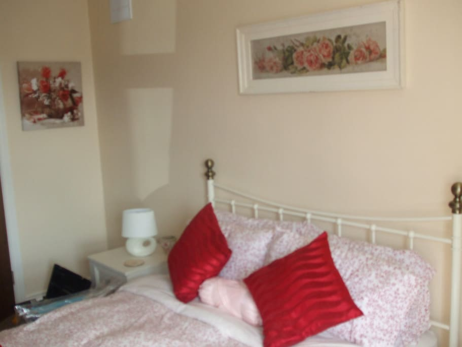 2nd King Size Bedroom with Ensuite Shower Room
