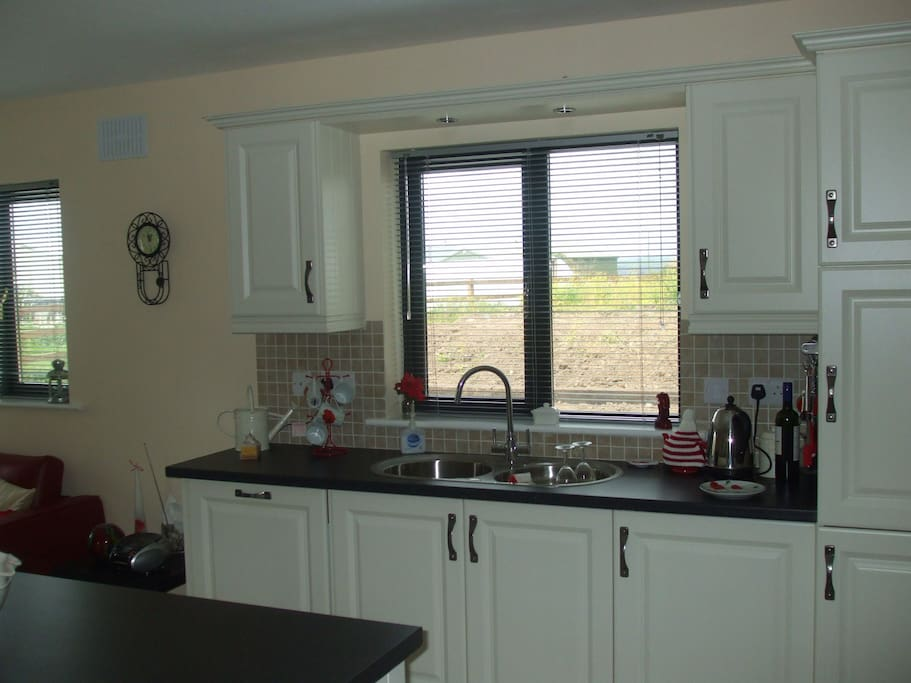 Fully Equiped Modern Kitchen