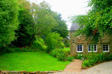 Romantic cottage set in tidal water meadow - Devon - Maison