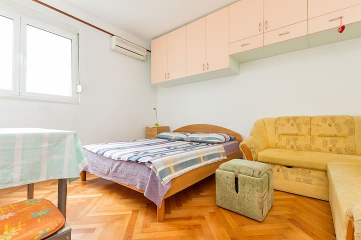 STUDIO APARTMENT PAULA*** (2+2)