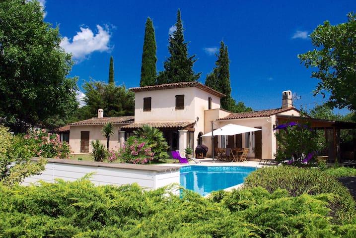L'Arcadie, jolie villa avec piscine