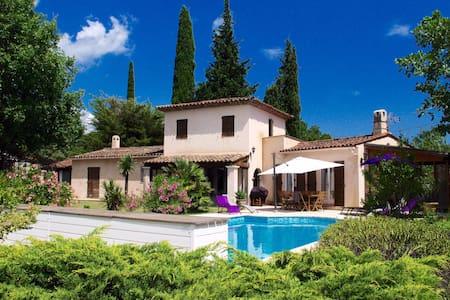 L'Arcadie, jolie villa avec piscine - Saint-Cézaire-sur-Siagne