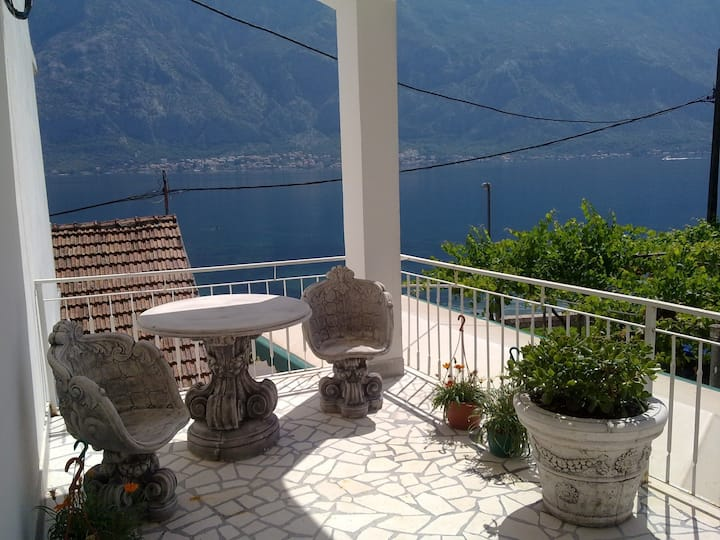 Mini hostel Adriatika Prcanj Kotor