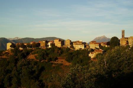 Renting seasonal near Corte Corsica - Piedicorte-di-Gaggio - Huis