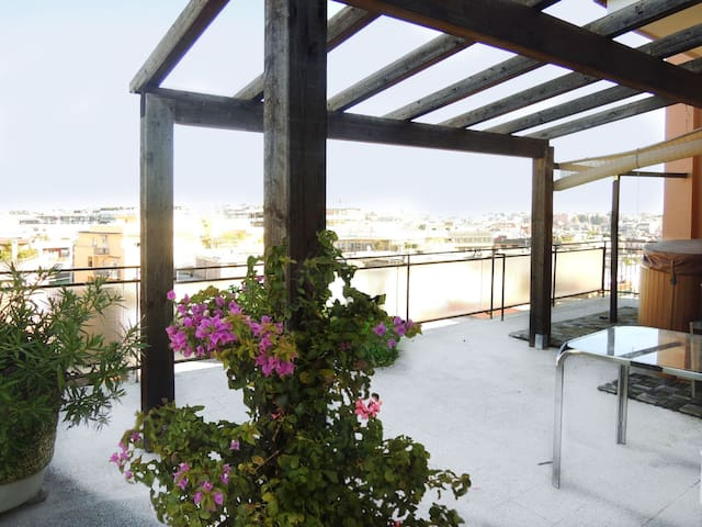 Cozy Terrace in Monteverde Nuovo - Roma - Apartment