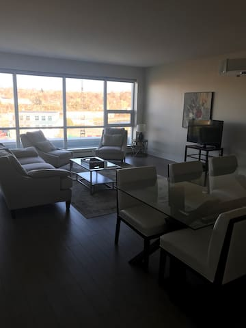 High end new two bedroom waterfront - Dartmouth - Lejlighed