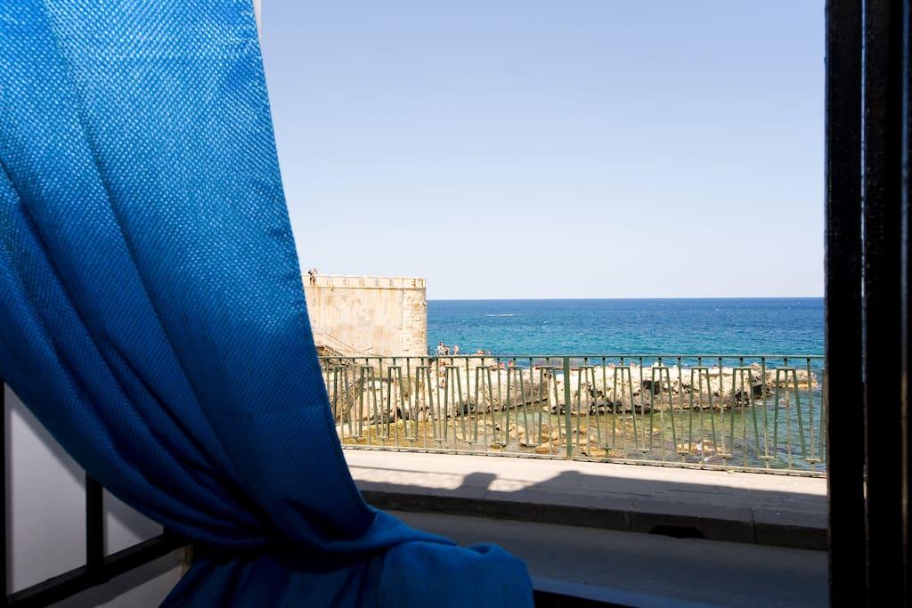 Una finestra sul mare di ortigia appartamenti in affitto - Una finestra sul mare ...