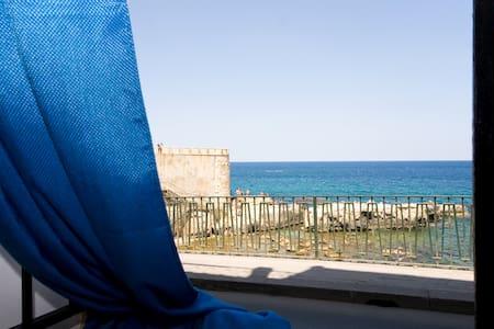 Una finestra sul mare di Ortigia - Syracuse - Apartemen