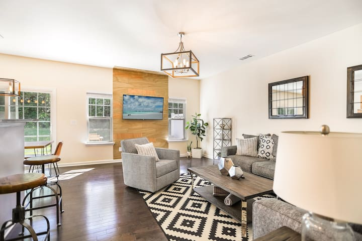 Sanitized ❤️ Luxury Townhome in Charlotte