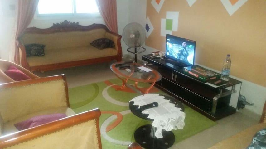 Bel appartement akouedo village