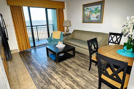⭐Low Floor! Relaxing Oceanfront Suite! TikiHut, Heated Pools, Newly Remodeled!