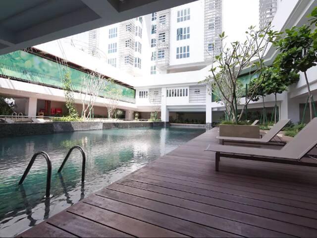 Lifestyle Facilities   Pool Deck