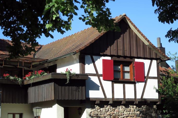Ferienwohnung Sester, (Gengenbach), Ferienwohnung Turmblick, 70qm, 2 Schlafzimmer, 1 Wohnzimmer, max. 4 Personen