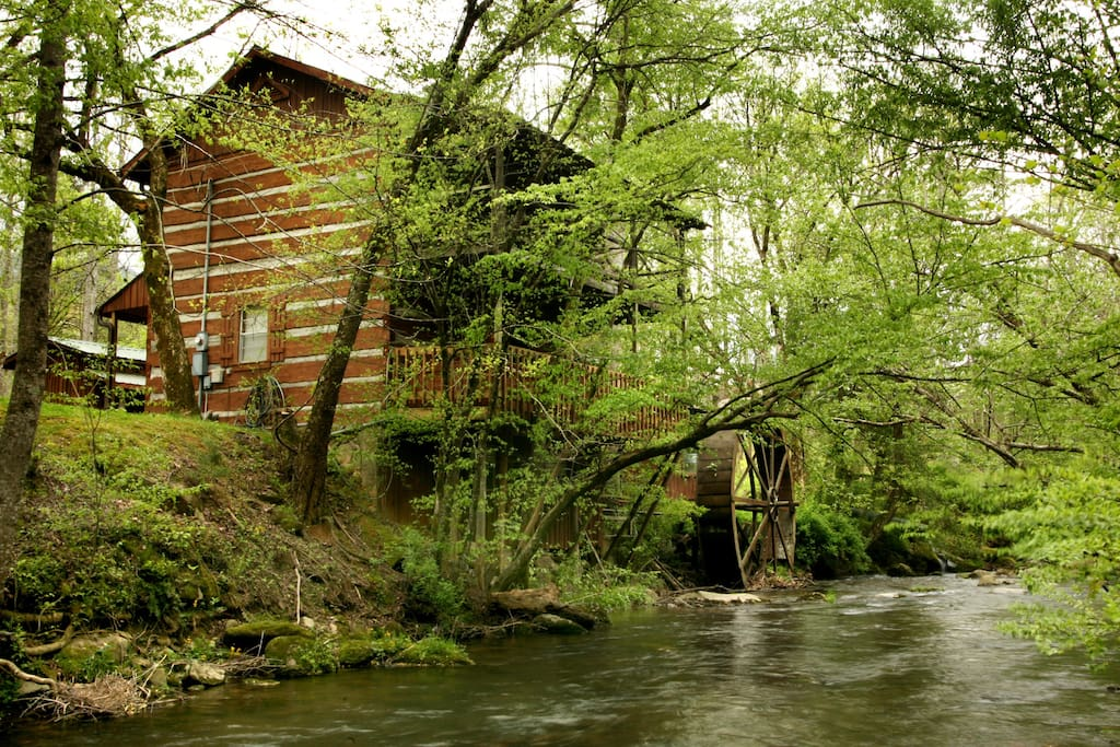 The Lindsey Mill 110 Years Old Cabins For Rent In