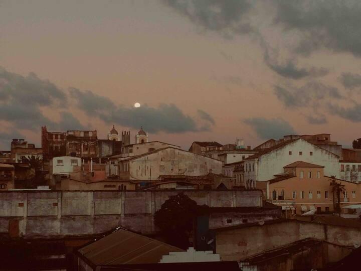 Quarto inteiro (Iuna)- Centro Histórico Salvador