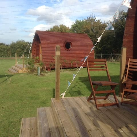 Buxhall Country Glamping - Suffolk - Stuga